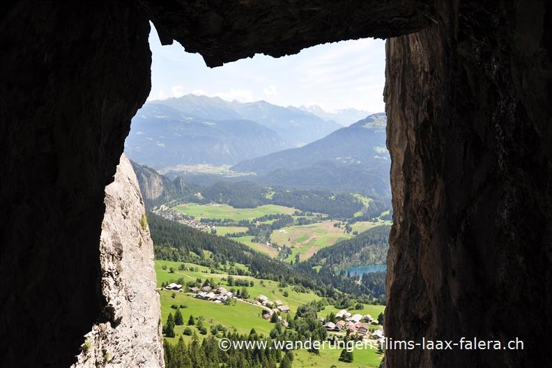 Klettersteig Flims : Klettersteig pinut aussicht auf den crestasee